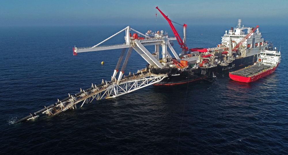 Судно на шельфе Балтийского моря по газопроводу Северный поток 2
