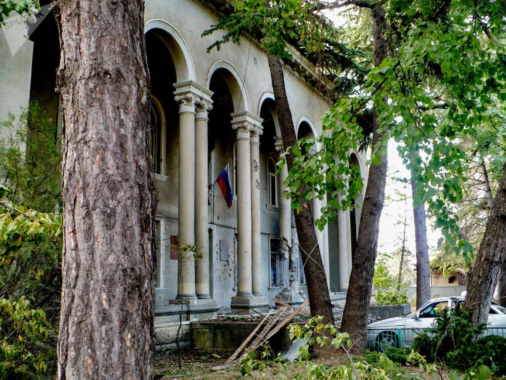 Цхинвал, разрушенное здание ГОВД. Война 08.08.08.
