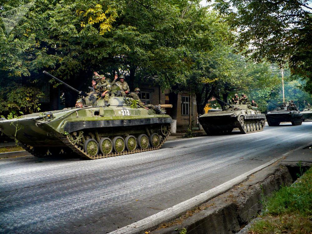 Российская армия входит в Цхинвал 10.08.08.