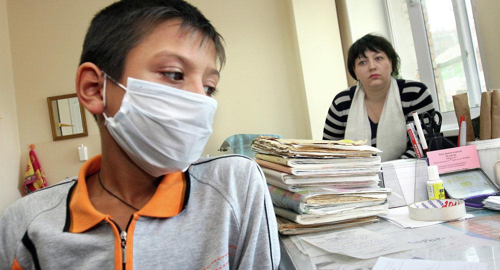 Лечение гриппа и ОРВИ у детей. Архивное фото.