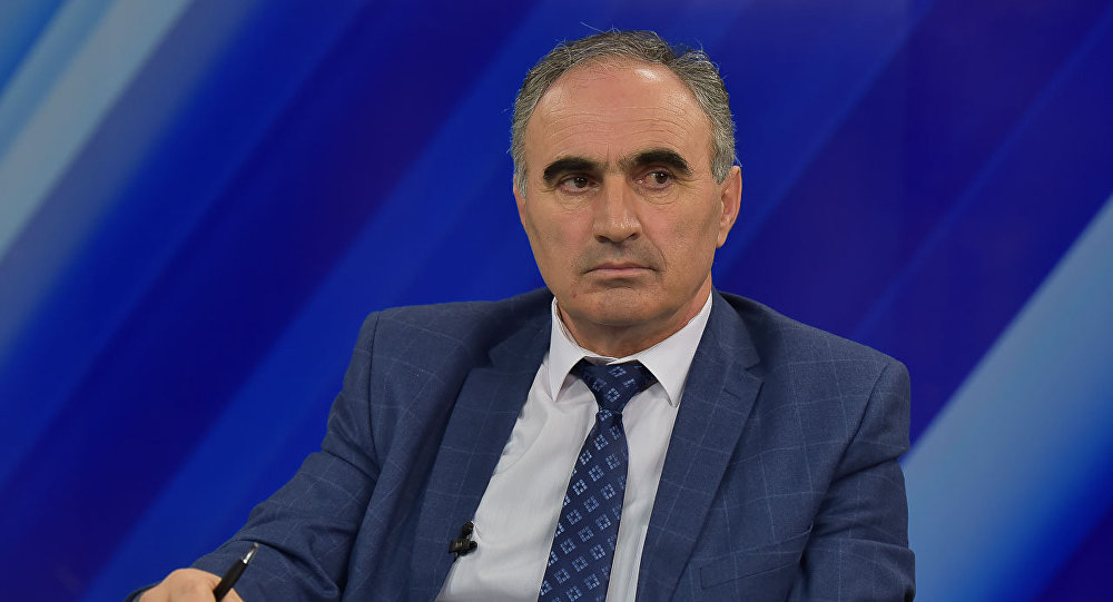 Председатель ЦИК Абхазии Тамаз Гогия на пресс-конференции на АГТРК
