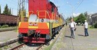 Пригородный поезд Адлер–Гагра.