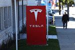 Вывеска компании Tesla