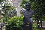 Памятник генерал-лейтенанту Хасану Харазия