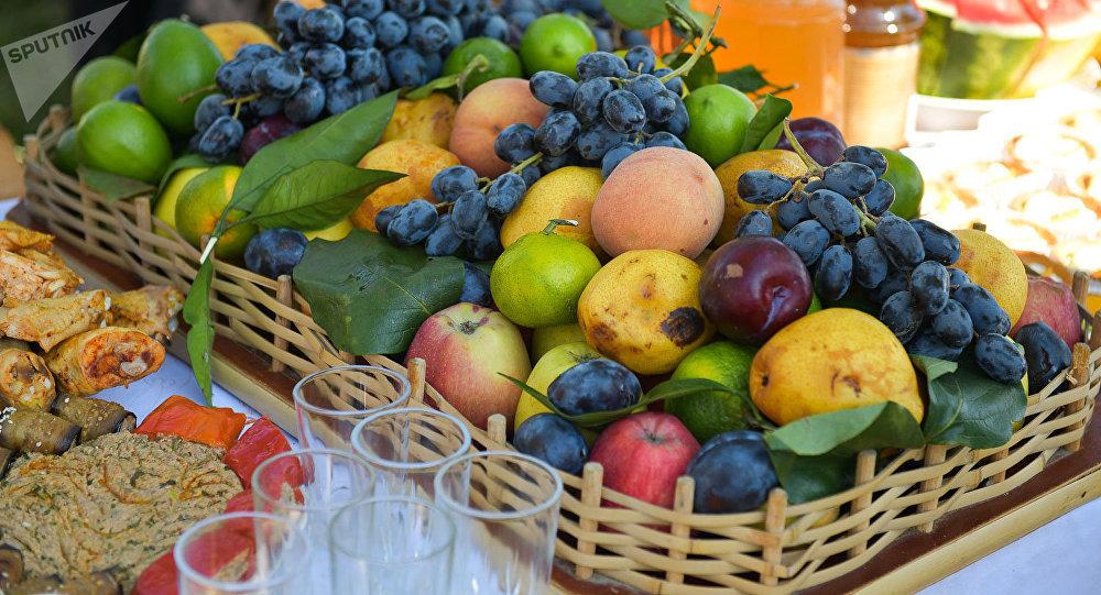 Праздник урожая и молодого вина на поляне Лыхнашта