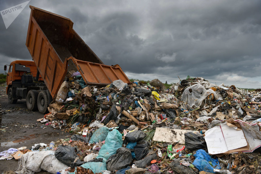 Ежедневно в Галский район свозят до 20 КамАЗов бытовых отходов из Сухума.