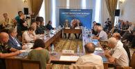 Круглый стол на тему Хотят ли русские войны? посвящен 25-летию миротворческой операции в зоне грузино-абхазского конфликта 1992-1993 годов.