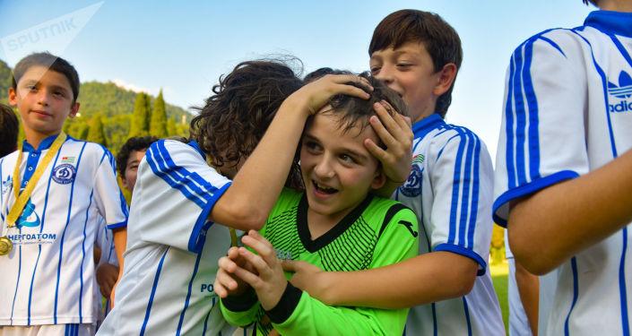 Чемпионат по футболу среди детей им. Гиви Смыр