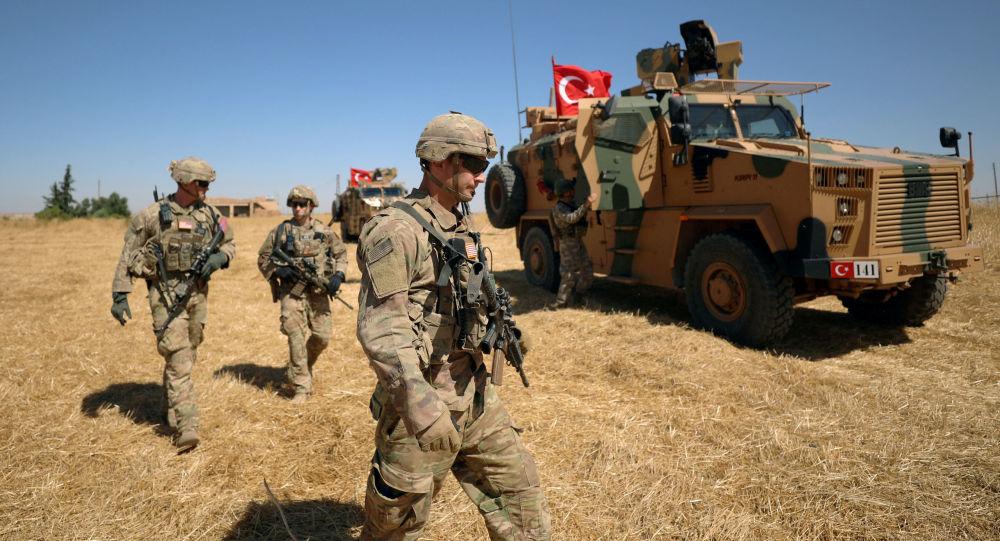 Турецкие и американские военные в Сирии, архивное фото