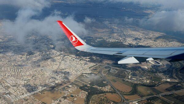Вид на территорию города Туниса из самолета авиакомпании Turkish Airlines во время полета. - Sputnik Аҧсны