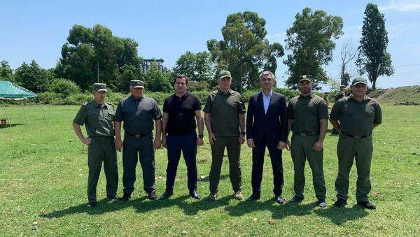Президент Абхазии, Главнокомандующий Вооруженными силами Аслан Бжания посетил сегодня Центр специального назначения СГБ Абхазии. - Sputnik Аҧсны
