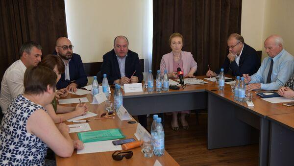 Заседание в общественной палате по вопросу курортного сезона - Sputnik Абхазия