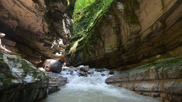 Экскурсия на абхазском языке в Хашупсинский каньон - Sputnik Абхазия