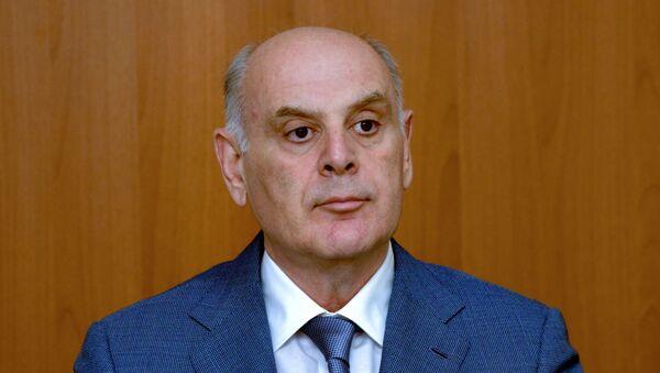 Президент Абхазии Аслан Бжания во время пресс-конференции. - Sputnik Абхазия