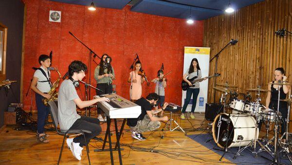 Агудзерская детская музыкальная студия  - Sputnik Абхазия