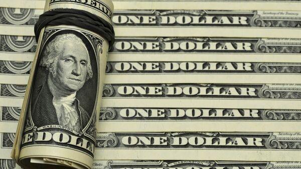 Банкноты номиналом 1 доллар США. - Sputnik Аҧсны