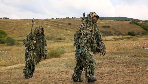 Маскировка под местность: снайперы ЮВО в горах Абхазии и Южной Осетии - Sputnik Аҧсны