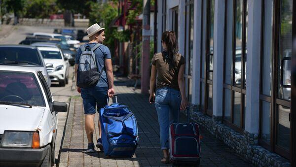 Туристы в Гагре - Sputnik Абхазия