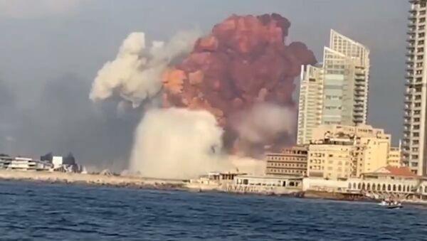 Момент мощнейшего взрыва в Бейруте попал на видео - Sputnik Абхазия