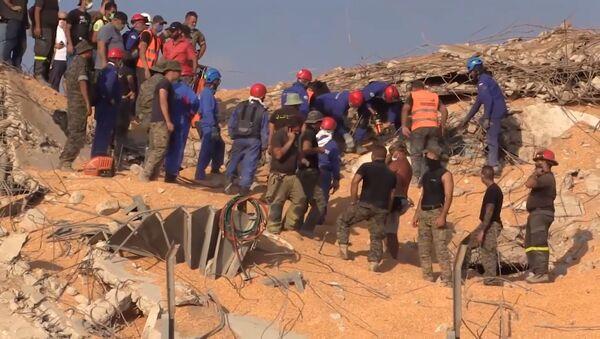 Поисково-спасательная операция, музыка и прерванная свадьба: последние видео из Бейрута - Sputnik Абхазия
