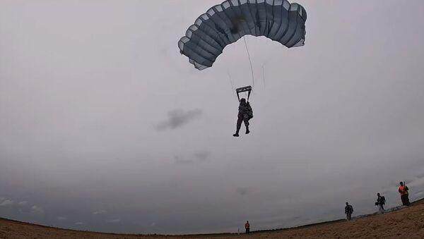 «Десантный взвод-2020»: прыжки на точность и рукопашный бой - Sputnik Абхазия
