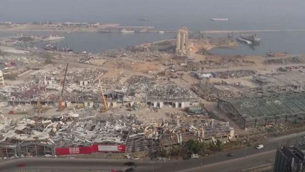В Бейруте продолжается разбор завалов и поиск людей после взрыва в порту города - Sputnik Абхазия