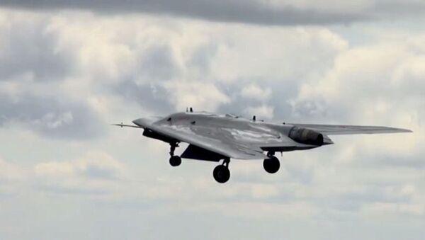 Испытания боевого беспилотного авиационного комплекса Охотник - Sputnik Абхазия
