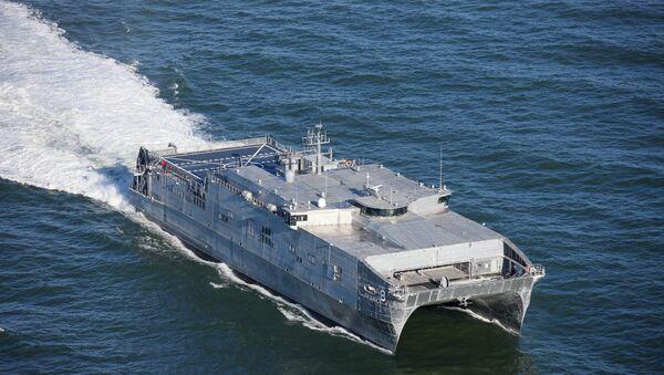 Быстроходный транспортно-десантный корабль USNS Yuma BMC США - Sputnik Аҧсны