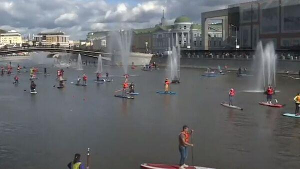 На сапе вдоль Кремля: фестиваль водного спорта - Sputnik Абхазия
