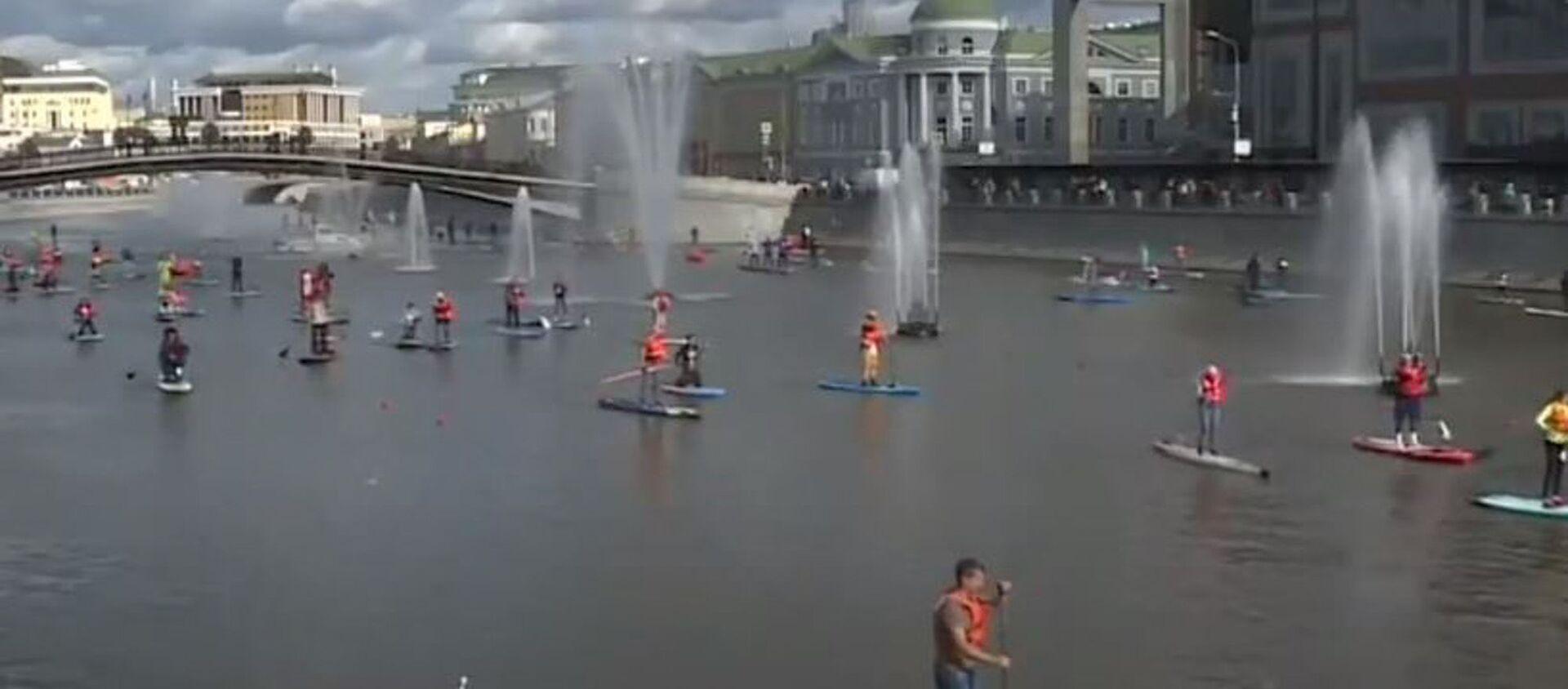 На сапе вдоль Кремля: фестиваль водного спорта - Sputnik Абхазия, 1920, 21.09.2020