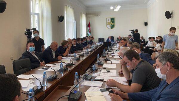Заседание в парламенте  - Sputnik Аҧсны