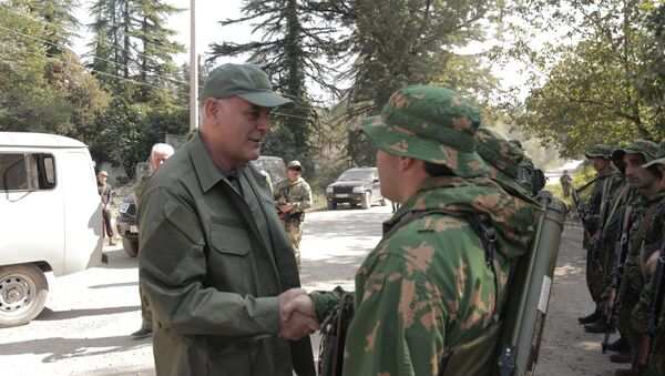 Президент Абхазии, Главнокомандующий Вооруженными силами Республики Абхазия Аслан Бжания - Sputnik Аҧсны