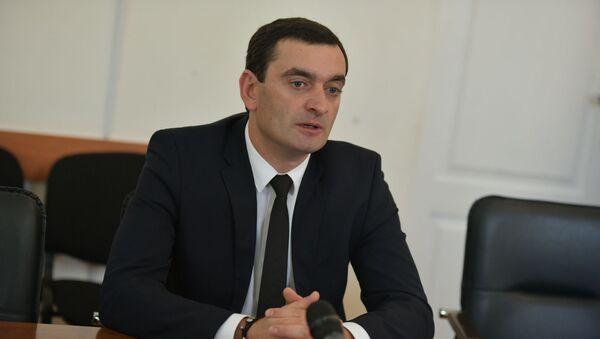 ПК Валерия Агрба в парламенте  - Sputnik Абхазия