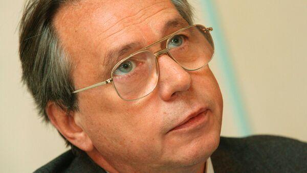 Лидер партии Социальной справедливости Алексей Подберезкин на пресс-конференции на тему: Большие доходы - большие налоги. - Sputnik Абхазия