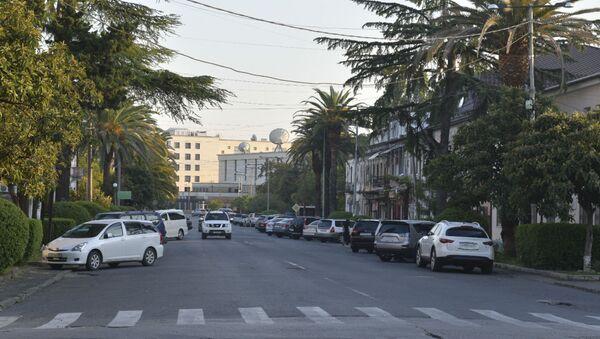 Улица Аидгылара в Сухуме - Sputnik Аҧсны