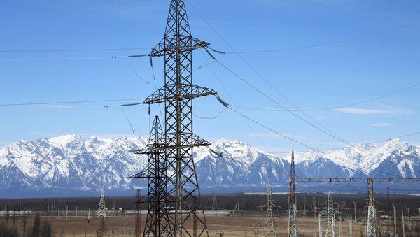 Линии электропередач подстанции на горном хребте Удокан в Забайкалье. - Sputnik Аҧсны