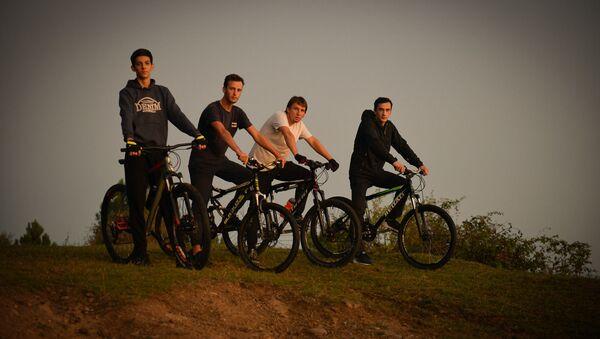 Велосипедисты  - Sputnik Абхазия