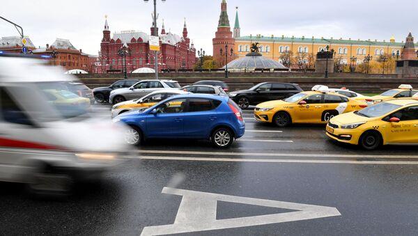 В Москве с 7 ноября водителям запретят проезд по всем выделенным полосам - Sputnik Аҧсны