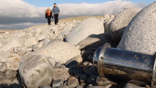 Этого не должно было случиться: в Ирландию приплыла капсула времени из России - Sputnik Абхазия