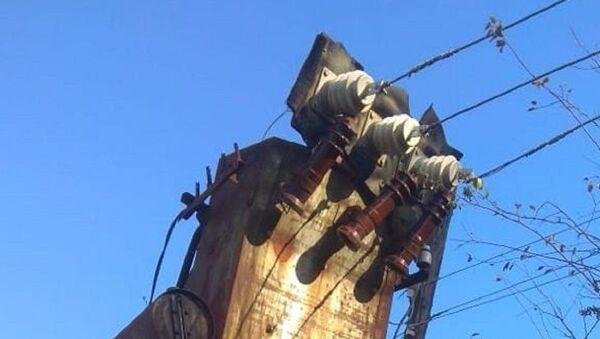 Повреждения линии электропередачи в поселке Цандрипш - Sputnik Абхазия