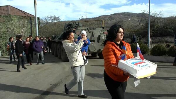 Путь к миру: как Россия помогает жителям Нагорного Карабаха - Sputnik Абхазия