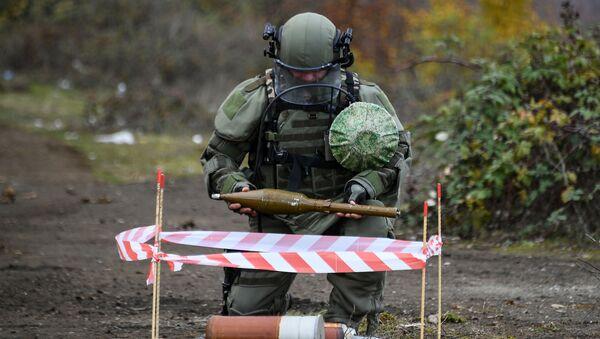 Специалисты противоминного центра Минобороны РФ приступили к работе в Карабахе - Sputnik Абхазия