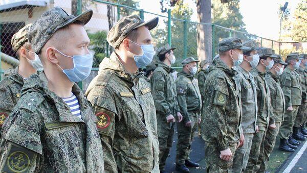 Российских военных медиков в Абхазии наградили за помощь в борьбе с COVID-19 - Sputnik Абхазия