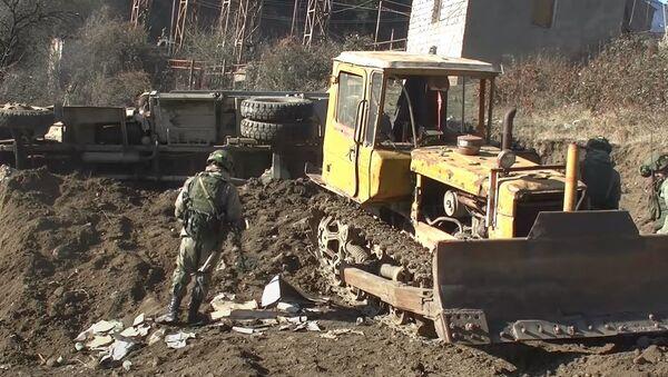 Разминирование местности и восстановление линий электропередач в Нагорном Карабахе - Sputnik Абхазия