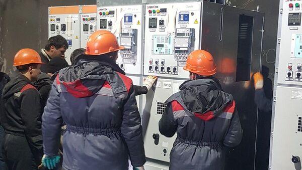 Ремонтные бригады приступили к монтажу нового оборудования - Sputnik Абхазия