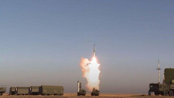 """С-400 """"Триумф"""" в действии - эффектные кадры испытаний от Минобороны России - Sputnik Абхазия"""