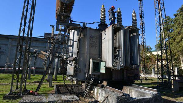 Ремонтно-восстановительные работы на подстанции Сухум-1  - Sputnik Абхазия