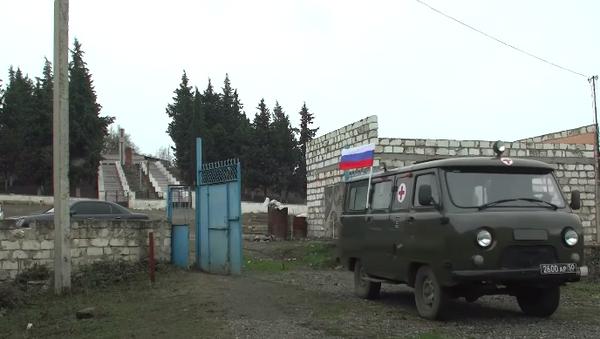 Разрушенные больницы и сотни больных: как российские военные медики лечат жителей Нагорного Карабаха - Sputnik Абхазия