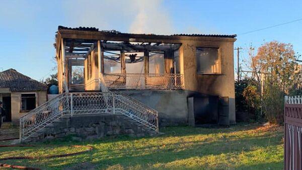 В селе Адзюбжа Очамчырского района сгорел жилой двухэтажный дом - Sputnik Абхазия