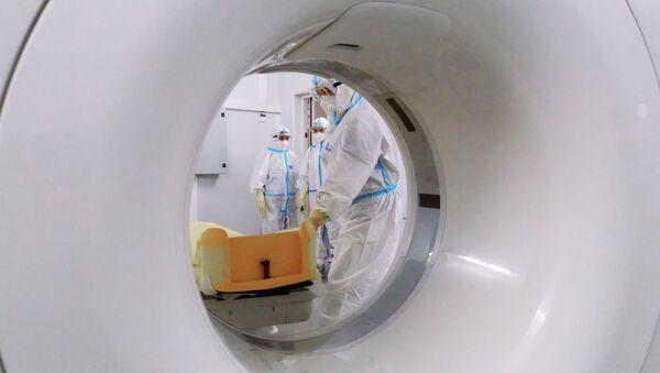 Работа временного госпиталя для больных коронавирусом в Ленэкспо - Sputnik Аҧсны